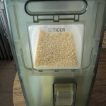 Rice dispenser kitchen appliance for rice storage